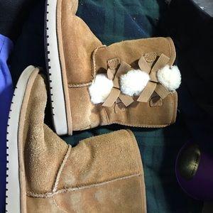 Koolaburra by UGG Victoria SHORT Bow Boots